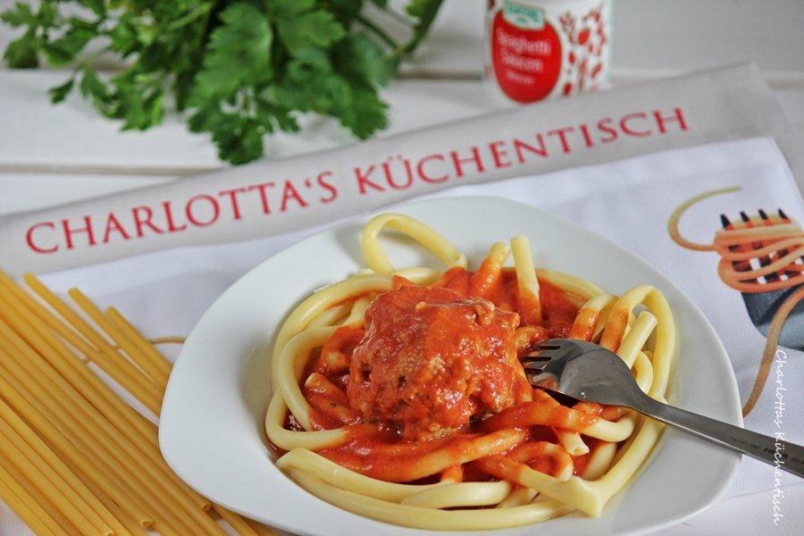 Kochen, Rezept, Pasta, Hackfleisch, Tomatenmark, Milch, Nudeln, Maccheroni mit Mettbällchen
