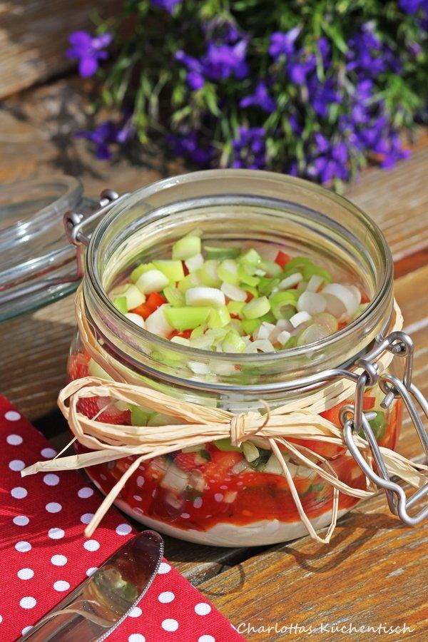 Salsa-Schicht-Dip, Frischkäse-Dip, Brotaufstrich, BBQUE, Grillbeilage, Rezept, Büffet,