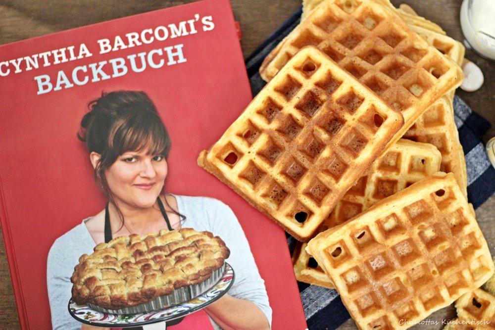 Cornmeal Buttermilk Waffles, Maismehl-Buttermilch-Waffeln, Waffeln, Frühstückswaffeln, Backen, Wanderbackbuch, amerikanische Waffeln,