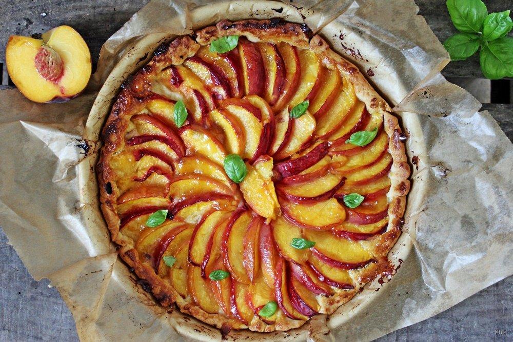 Pfirsich Tarte mit Basilikum, Tarte, Pfirsichtarte, Dessert, Kuchen, Rezept, Nachspeise