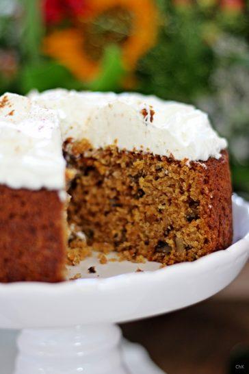 Möhrenkuchen mit Walnüssen und Frischkäse-Topping, Kuchen, Rezept