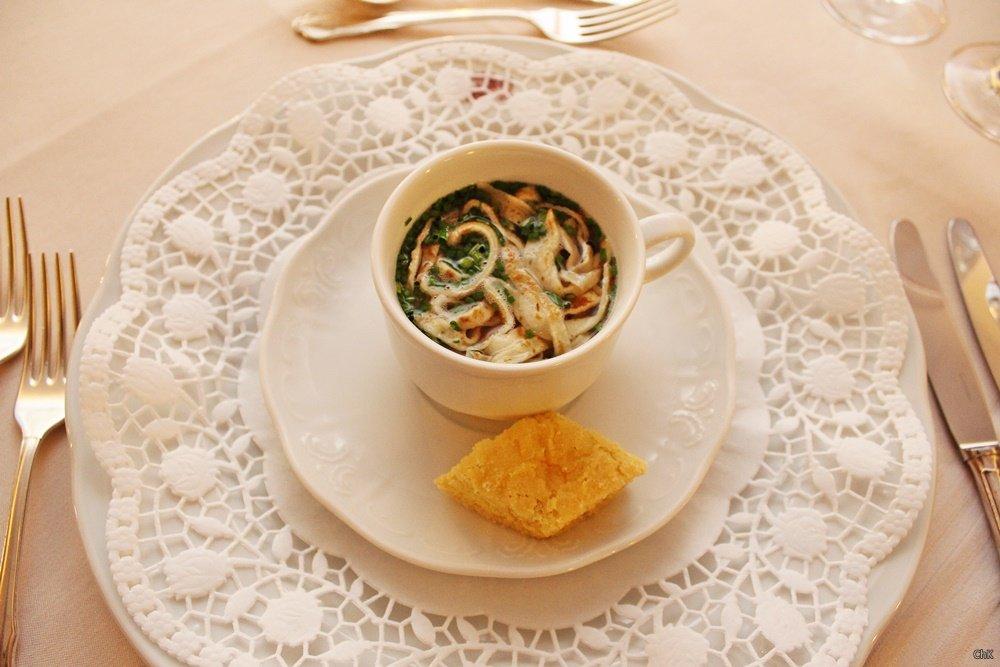 Suppe mit Frittaten