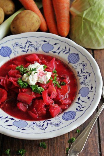 Borschtschsuppe, Suppe, Eintopf, Rote Beete, Winterküche, herzhaft