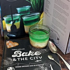 Bake & The City – eine Buchrezension und ein Rezept für Käsekuchen mit Waldmeister