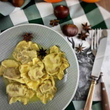 """""""Weihnachten ist überall"""" – Maroni Ravioli mit Orangenbutter von """"unbeliEVAble-cooking"""""""
