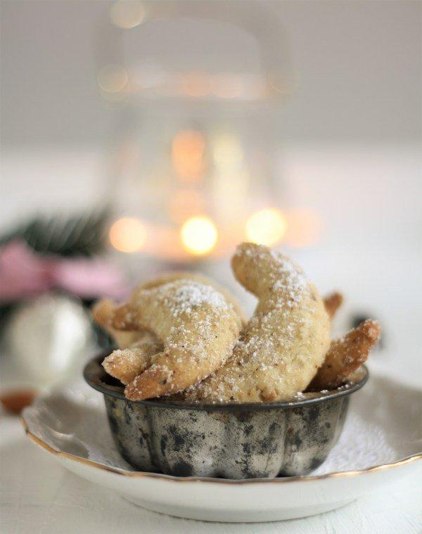rezept-fuer-vanillekipferl-und-zimtkipferl-mit-haselnuessen-und-mandeln-von-naschen-mit-der-erdbeerqueen