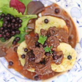 Rehragout mit Heidelbeeren – ein besonderes Mittagessen