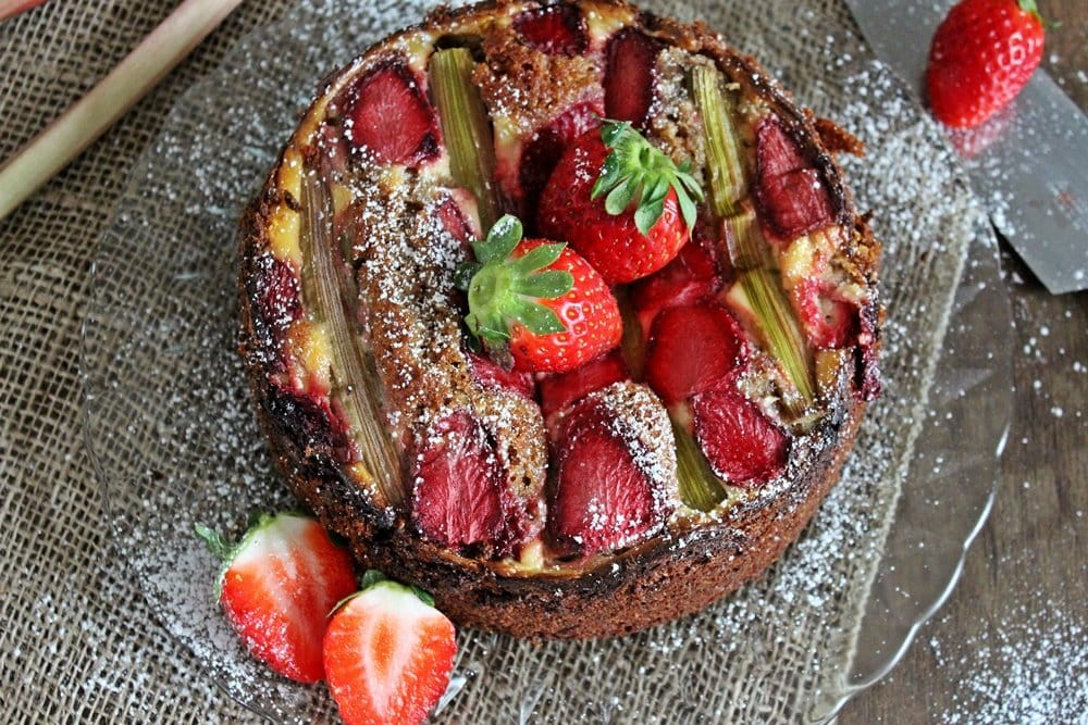 Erdbeer-Rhabarber-Kuchen, Backen, Dinkelmehl, lecker, Rezept