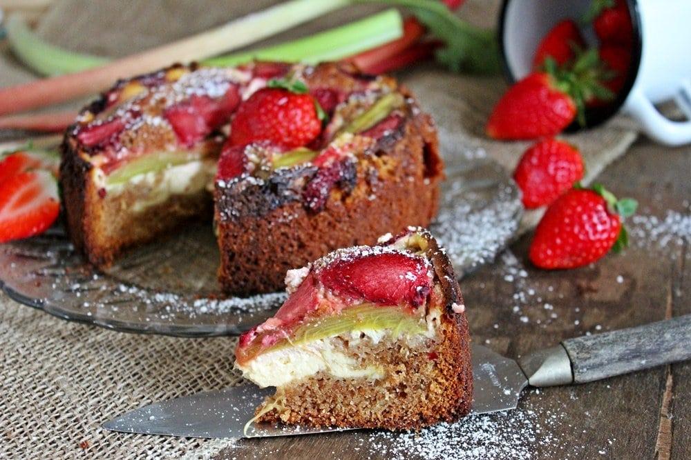 Erdbeer-Rhabarber-Kuchen, Backen, Schmandkuchen, lecker, Rezept