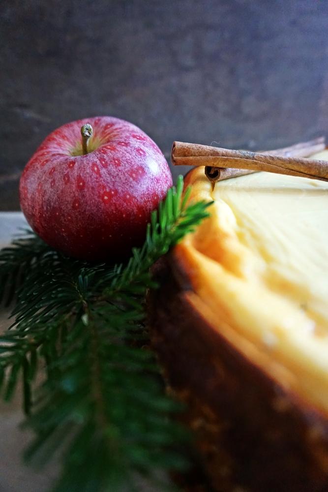 käsekuchen zimtapfel-füllung und spekulatiusboden